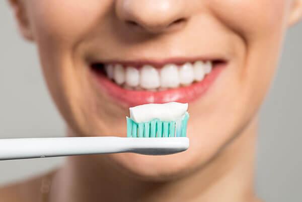 teeth whitening - Whitening Toothpastes 1 - Teeth Whitening